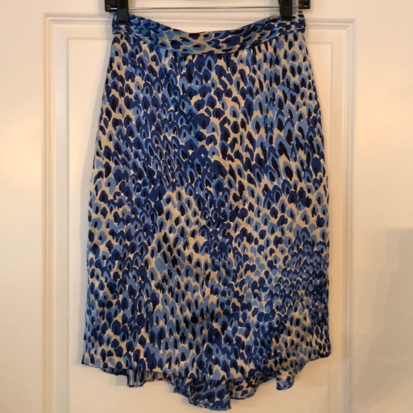 Tibi Dresses & Skirts - Tibi silk print skirt